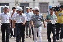Городские руководители инспектируют работу в Синьхае