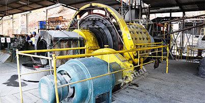 Последовательное измельчение руды -- грубое и мелкое сепарирование -- магнитное обогащение -- гравитационное обогащение -- анионная обратная флотационная технология