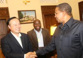 Президент Танзании встретился с председателем компании Синьхай